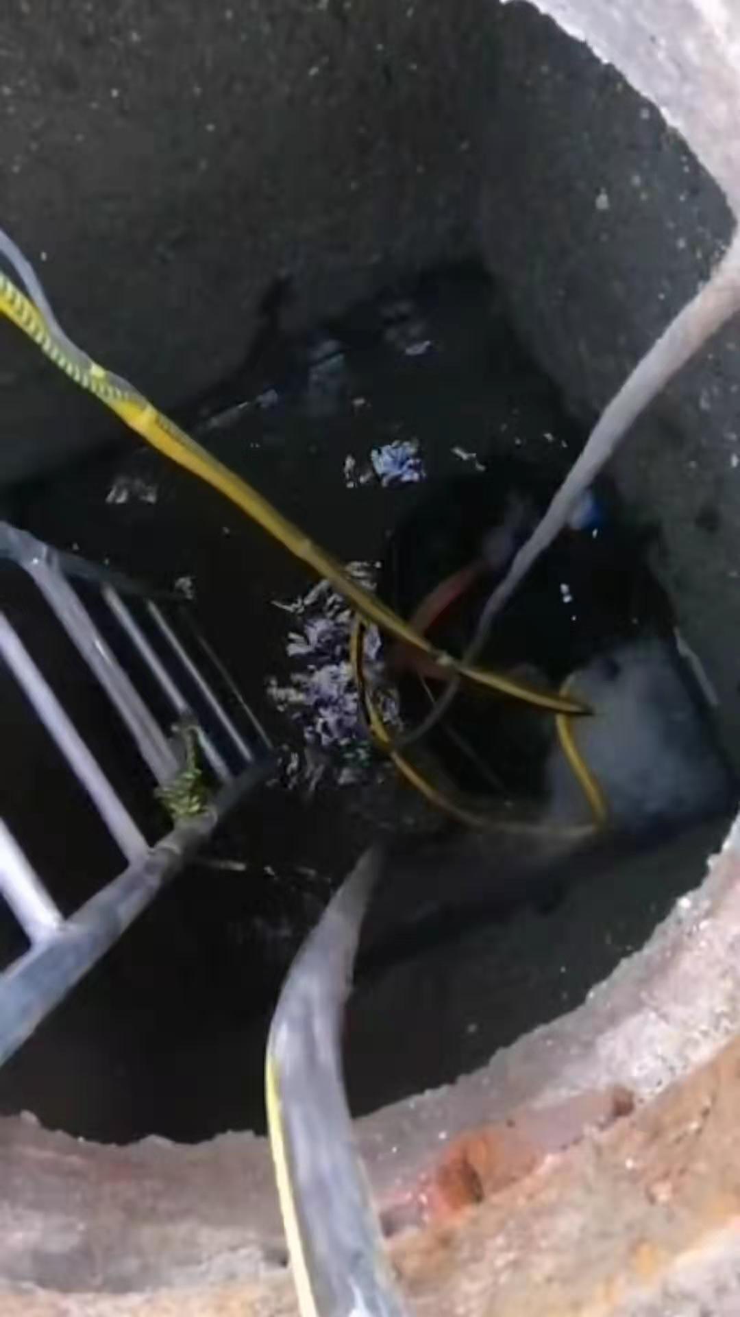 潜水员在管道改建整治中起到的作用是什么